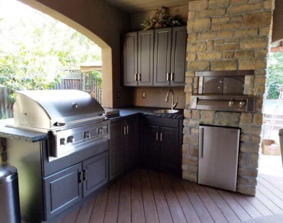 outdoor-kitchen-cabinets-espresso-color-1